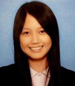ネットに本田圭佑選手の嫁の、金沢西高校の卒アル写真が出回っているそうなんですね。その、本田圭佑選手の嫁の金沢西高校 卒アル写真というのが、こちらになります。